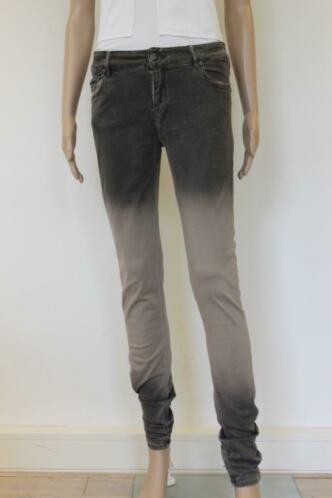 Supertrash zwarte jeans 'Proudy Sprayed' jeansmaat 29