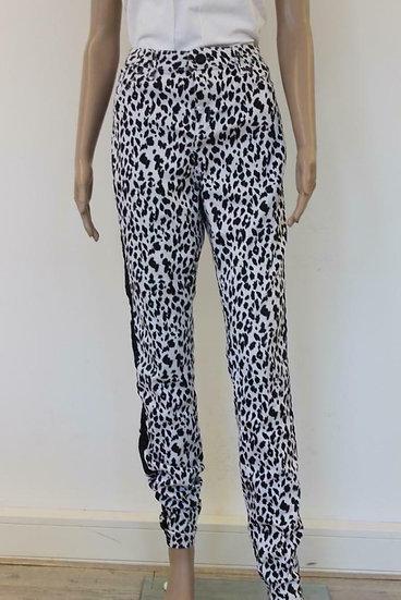 Miss Etam (Miss E) zwart/witte dierenprint broek maat 42