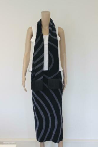 Chacok grijs/zwarte set van rok en sjaal maat T1 (maat 36)