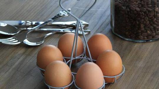 6 x Happy Farm Fresh Chicken Eggs