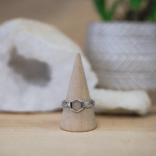 silver geometric ring 9.5