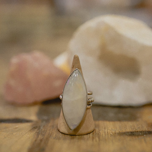 silver rainbow moonstone ring 8.25