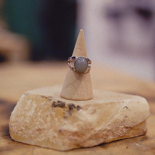 silver moonstone ring 4.25