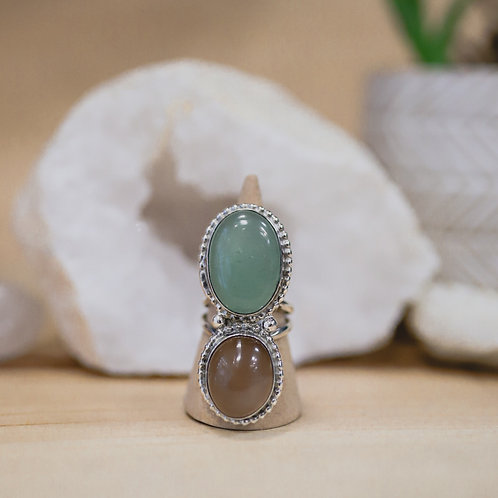 silver moonstone and aventurine ring 7.5