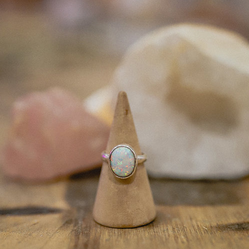 silver manufactured opal ring 4.5