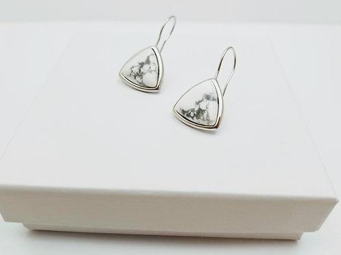 White Howlite triangule Hook earring