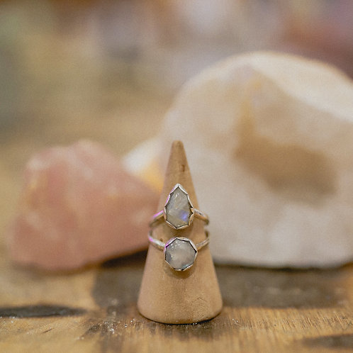 silver rainbow moonstone ring 5.5