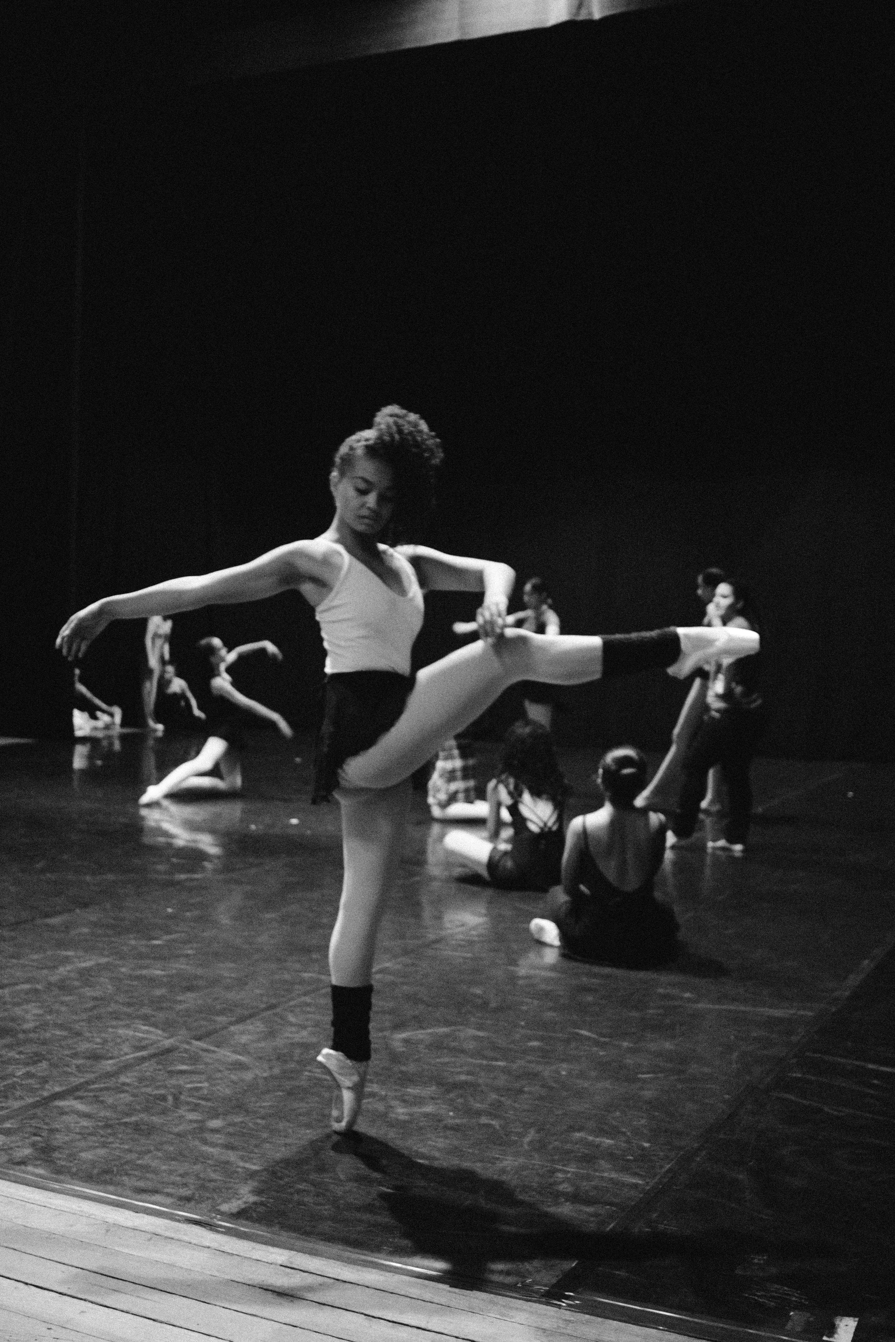 (Fall) Youth Contemporary | Ages 9 -13