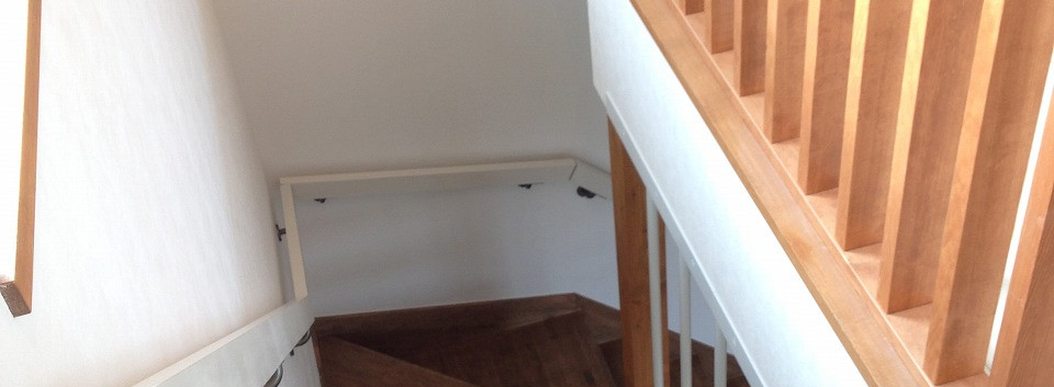 10 階段手すりも造作
