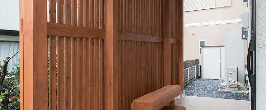 18 玄関ポーチ 格子&ベンチ