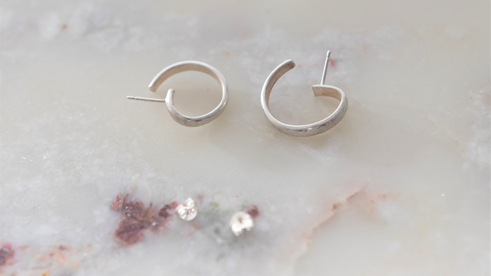 Small Curved Hoops