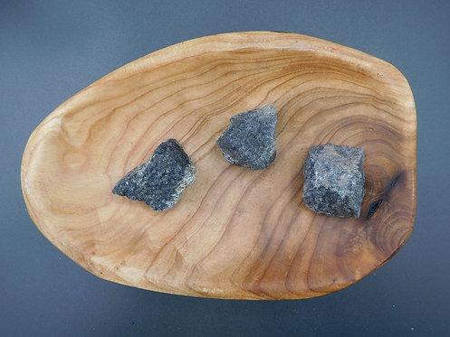 Raw Nuummite