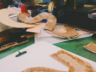 <靴作り> ひそかに練習開始!