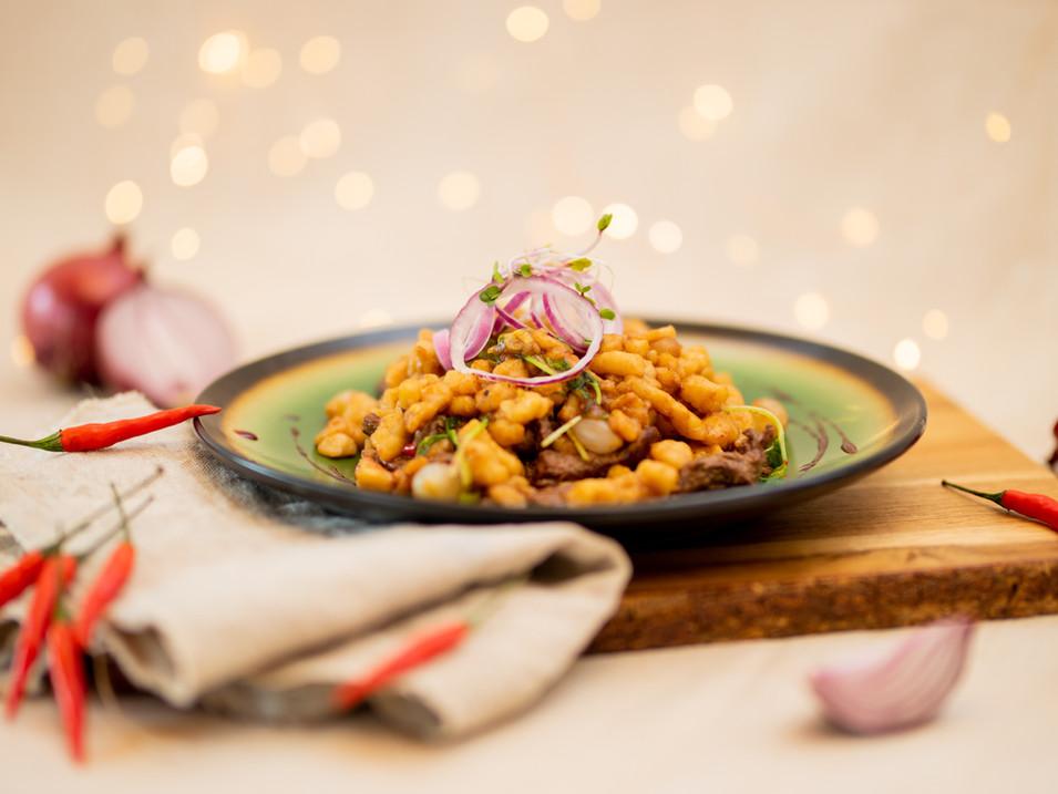 Chilli halušky s kúskami sviečkovice