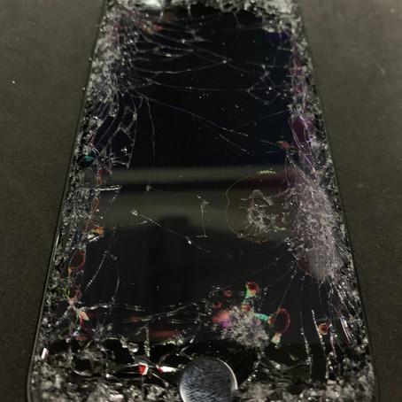 【寝屋川市】iPhone8画面割れ修理