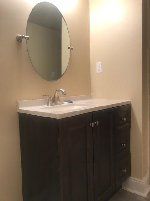 Unit D Bathroom