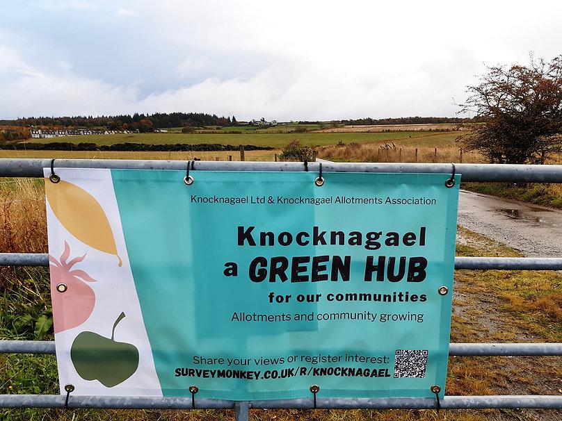 Knocknagael Banner at field.jpg