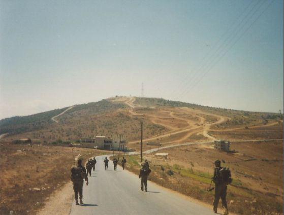South_lebanon_Israel_army_patrol.jpg