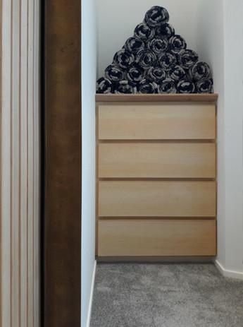 Four drawer unit