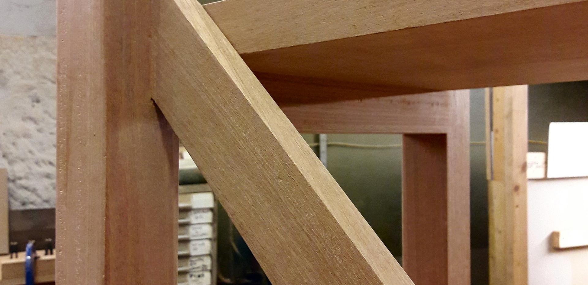Shelf bracing