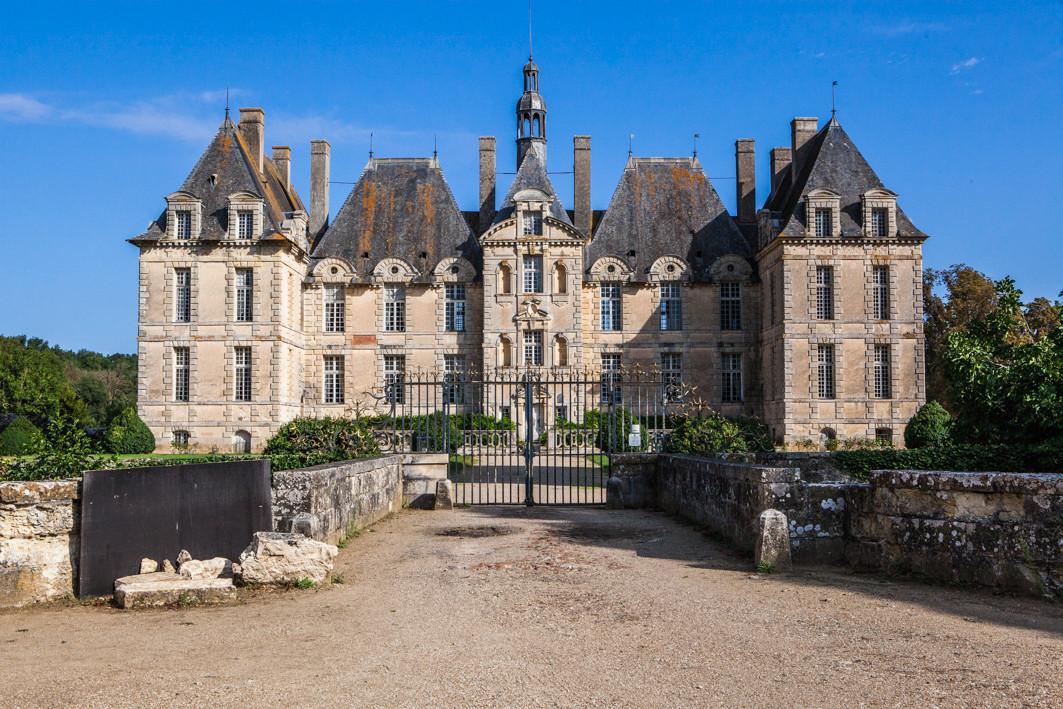 chateau saintloup rendezvoussaintloup.jp