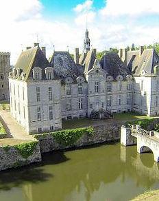 chateau-de-saint-loup.jpg 2.jpg
