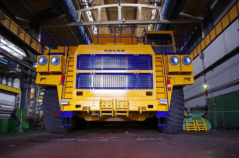 белаз 220 тонн