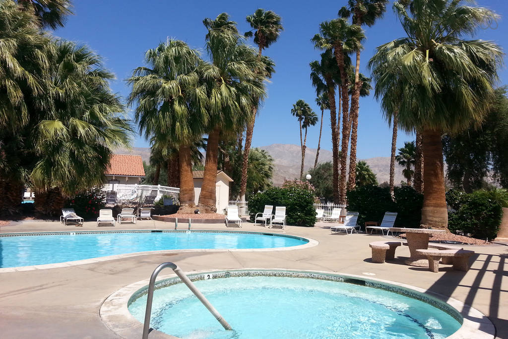 Mineral hot springs pools & jacuzzis