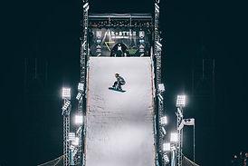 Stunt-snowboard.jpg