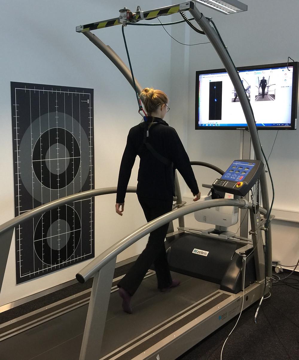 Virtual Reality, virtuelle Realität, Gait-Training, Gangtraining, zebris Rehawalk-System