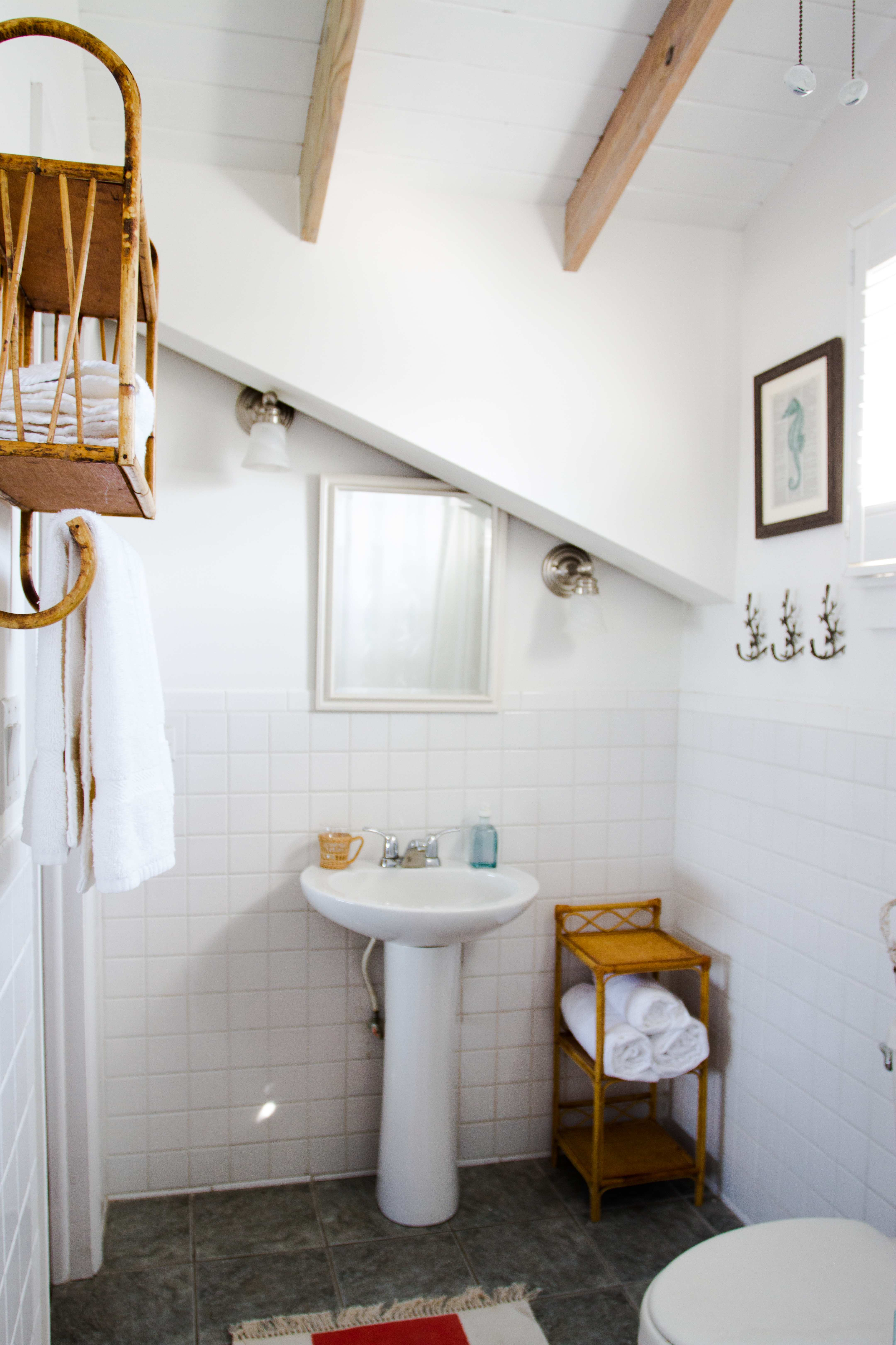 Conch Pearl - Upstairs Bath