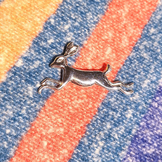 LADYCROW Small Hare Brooch