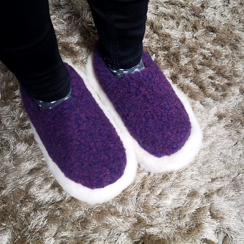 SHEEP BY THE SEA Slippers