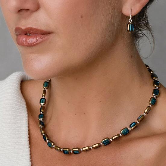 CARRIE ELSPETH Golden Edges Necklace