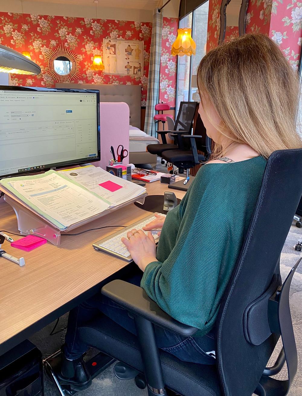 la bonne posture à adopter au bureau