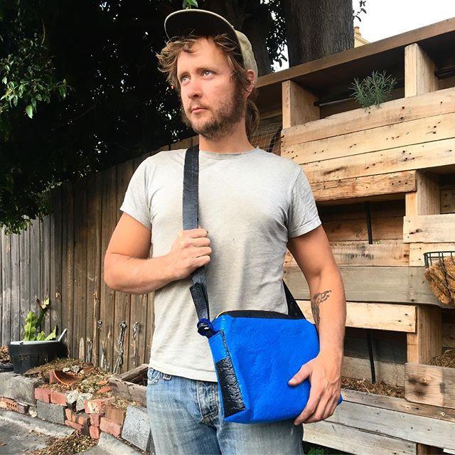 Good ol' Fraser, wearing a new bag model