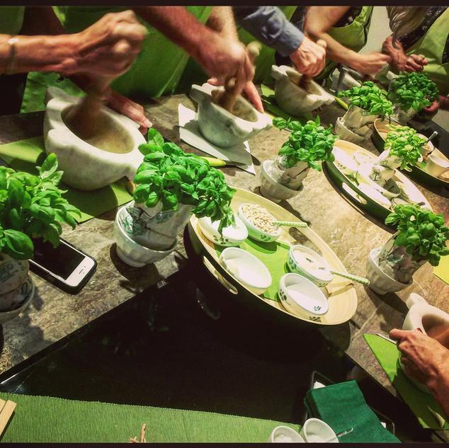 Мастер-класс по приготовлению соуса Песто
