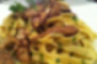 Тальятелле с соусом из белых грибов