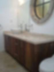 italo minimalista chapa texturizada laminada, gabinetes para baño, gabinetes en pisopuerta completa, para guardar ropa sucia, cajonero doble grande para toallas, gabinete para tarja cerámica circular sobrepuesta, monomando cromo