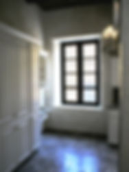 acueducto despensas de cocina con cornisa altas, estación libreo/escritório teléfono, celular, con cajón y espacio para sentarse.