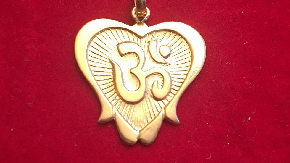 'OM' 22k Gold Pendant