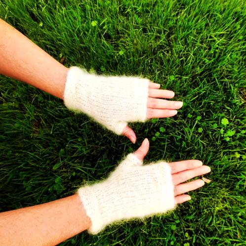 Mitaines mohair,blanc, tricoté main, De maille en fille, les créateurs de saison