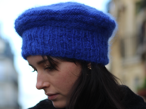 Béret, laine, mohair, bleu outremer, tricoté main, De maille en fille, Boutique Les créateurs de saison, Paris