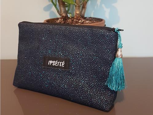 Pochette, bleu pailleté, Ipséité, Boutique Les Créateurs de saison, Paris