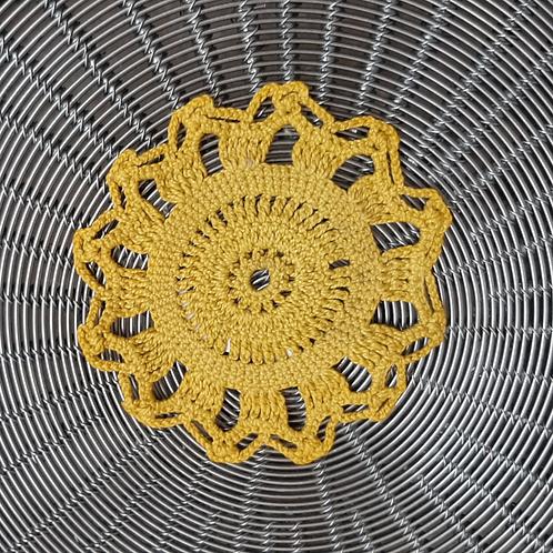 Napperon jaune upcyclé, coton, teinte naturelle, Villagarance, les créateurs de saison Paris