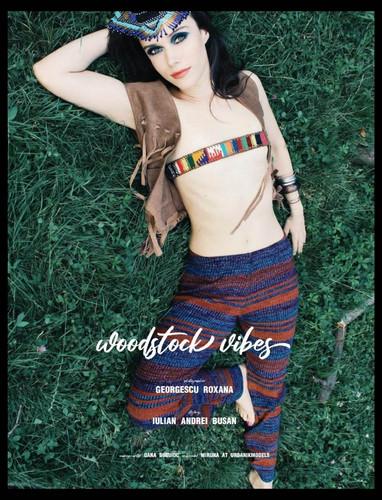 August,  No.8 issue (vol. no. 10)  Woodstock Vibes   Creative art director: @roxana_gphotography  Mua: @oanabusuioc Stylist: @le_buchan Model: Miruna from UrbanikModels  Via @officialkavyar