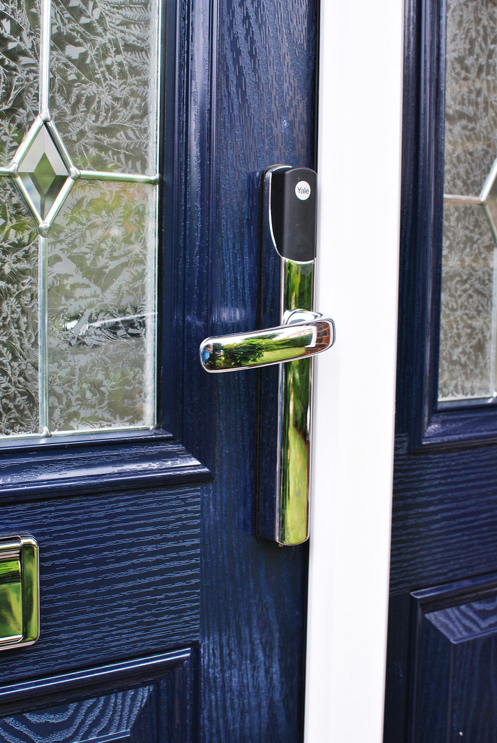 conexis - Keyless door lock - keyless lock - yale - middlesbrough - installers