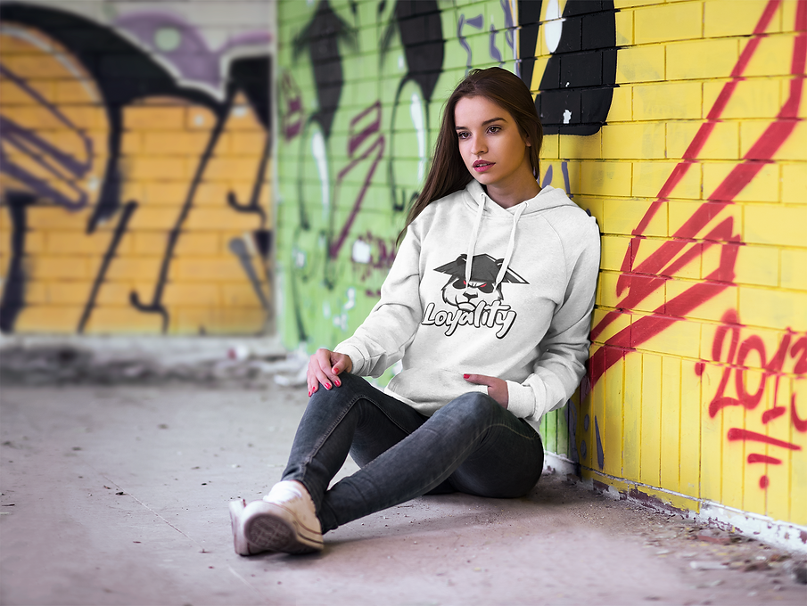 hoodie-mockup-featuring-a-woman-leaning-