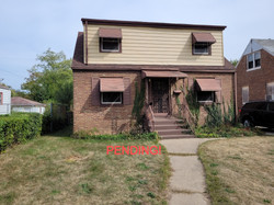 PENDING! Well loved brick cape cod