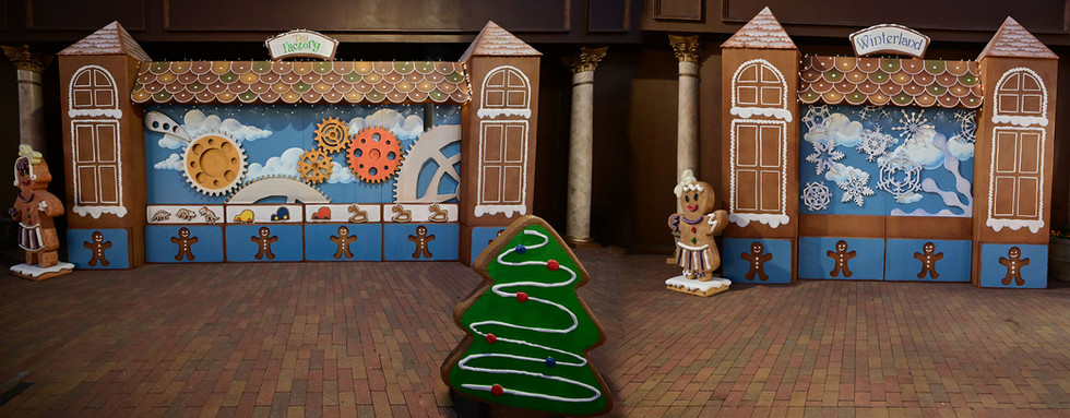 Gingerbread Toy Factory & Winterland